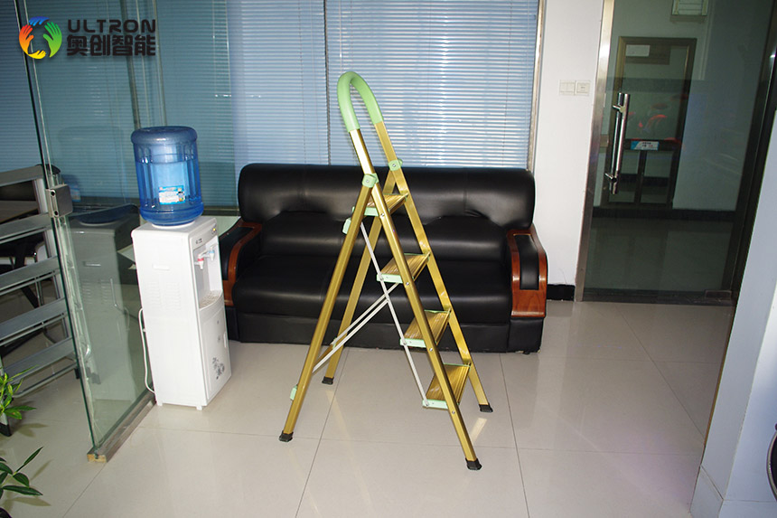 step ladder with non-slip caps